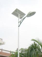 Lampadaire Autonome Panneau 140wc, Lampe Led 40wc  Batterie GEL 120 ah, Prix de Vente 1080 Euros